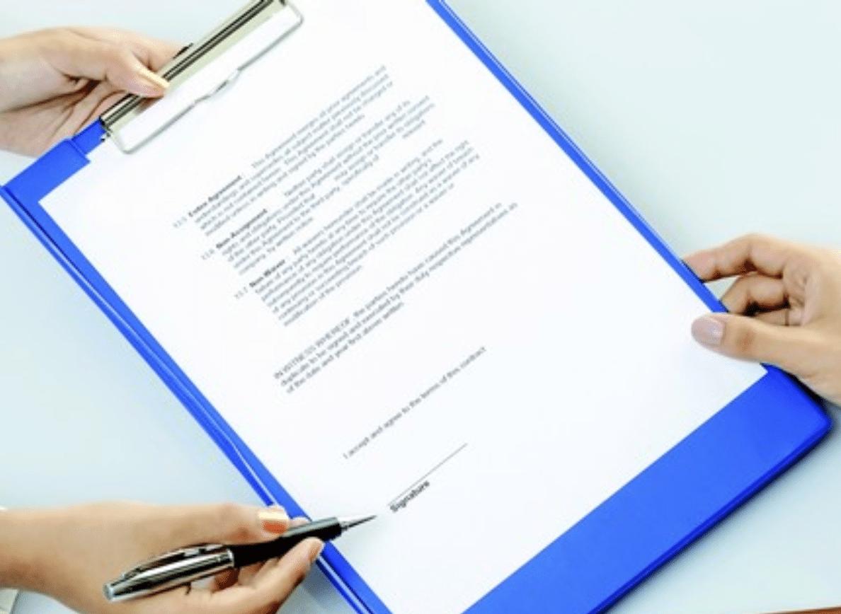 Signer compromos vente - par courtier crédit Immobilier Rennes - NS Courtage